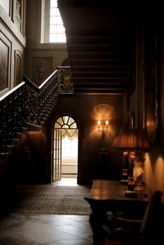 Easton Neston House, England      Easton Neston House, England    Now this is what a hallway should look like.