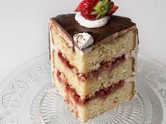 Laagjescake met aardbeien en balsamico-azijn - Libelle Lekker!