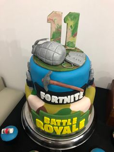 FORTNITE HairStyles how hairstyles change your look 13th Birthday Parties, Sons Birthday, Happy Birthday, Birthday Cake, Fete Emma, Cakes For Boys, Birthdays, Easy Access, Birthday Candles
