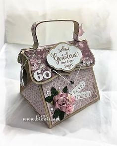 Bibbi's: 60 års veskekort Lunch Box, Scrapbooking, Tips, Crafts, Inspiration, Biblical Inspiration, Manualidades, Bento Box, Handmade Crafts