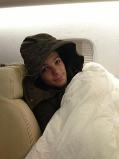 Louis on plane.