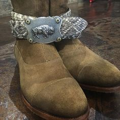 Our Morris suede rear zip low boot paired with eastern diamondback rattlesnake belt and sterling silver, gold with sapphire bison belt buckle.  No where else but @west_bh #westbh #dapper #beverlyhills #rodeodrive #brentwood #malibu #calabasas #nashville #houston #dallas @albertofasciani_official @clintormsbuckles