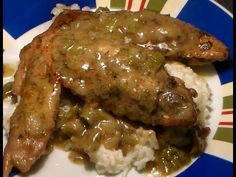 Turkey Wings And Gravy Recipe, Smothered Turkey Wings, Smoked Turkey Wings, Crockpot Turkey Wings, Southern Turkey Wings Recipe, Smothered Turkey Chops Recipe, Turkey Drumsticks, Hors D'oeuvres, Bon Appetit