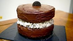 Giant Oreo Cake - I for sure will make my own cake and icing rather then using the packaged, but this is a great basic idea!