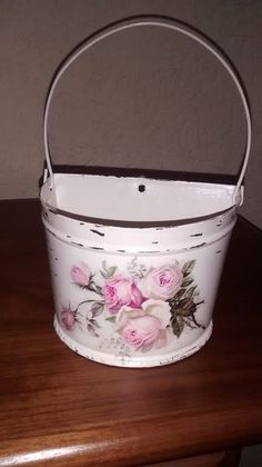 vasinho em meia lua galvanizado elaborado com decopagem em guardanapo