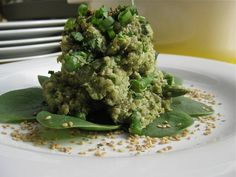 Gloriously Green Quinoa Risotto - This creamy green quinoa risotto is packed full of vegetables and nutrients and tastes delicious. You will not believe it is vegan! YUMMO!