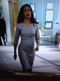 Jessica Pearson. Suits, episode 2, season 2. This is Carolina Herrera New York. Jessica's wardrobe is to die for! My photography skills are not. Ha...