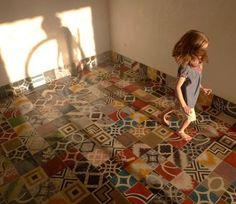 encaustic cement tiles - http://www.recuperando.it/it/Pagine/Categoria.asp?IDFam=2&IDCat=528&IDArg=0