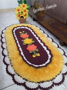 Border Embroidery Designs, Kids Rugs, Crochet, Naruto, Crochet Carpet, Animal Rug, Bathroom Crafts, Centerpieces, Needlepoint