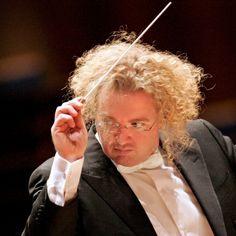 Stéphane Denève #conductor #orchestra #LA © Drew Farrell