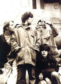 Love how the stone roses are from Manchester, me toooo Rock Indé, Rock N Roll, Indie Music, Music Icon, Music Is Life, My Music, Joe Strummer, Stone Roses, Band Photography