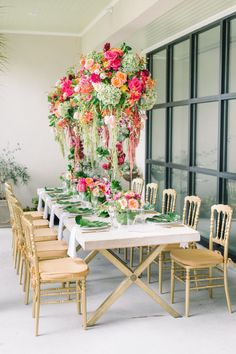 Colorful stylish Sunday brunch: http://www.stylemepretty.com/living/2017/02/24/winter-schminter-were-giving-our-brunch-a-tropical-vibe/ Photography: Aaron & Jillian - http://www.aaronandjillian.com/
