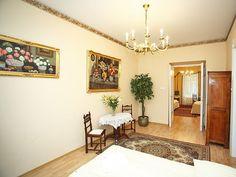 Apartament Biznesowy(82m2, 1 piętro, max. 4+2 osoby) Apartament położony w niedalekim sąsiedztwie dworca PKS i PKP (ok.150m) przy ulicy Rakowickiej.  http://www.youtube.com/watch?v=0pmbiqekM2Q