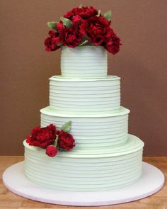 modern yet classic.  beautiful creation by Betty Bakery Wedding Cakes.