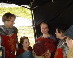 Peter Pevensie, Edmund Pevensie, Lucy Pevensie, Narnia Cast, Narnia 3, Narnia Movies, William Moseley, Georgie Henley, Casting Pics