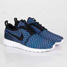 hot sale online a1e67 0cb89 Nike Flyknit Roshe Run