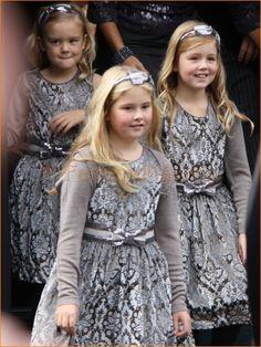 Prinses Amalia, Prinses Alexia en Prinses Ariane--kING WILLIAMS AND MAXIMA OF THE NETHERLANDS