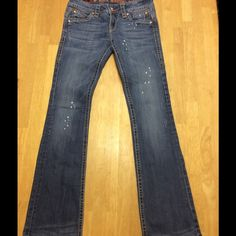 ❤️Rock Revival Patti❤️ EUC Rock Revival Patti stretch Paint splatter jeans. Inseam 30. No tears, holes or stains. Will consider all reasonable offers. Rock Revival Jeans Boot Cut