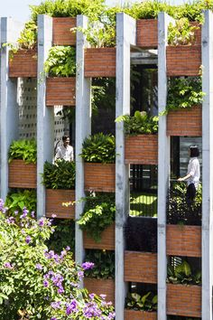Resort in House from ALPES Green Design & Build facade - Home Decorating Trends - Homedit Tropical Architecture, Facade Architecture, Sustainable Architecture, Landscape Architecture, Landscape Design, Contemporary Architecture, Green Facade, Brick Facade, Facade Design