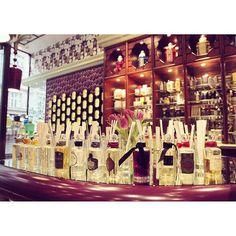 @shopcontent Treat yourself to a fabulous new #finefragrance at #Penhaligon's flagship on #RegentStreet   @penhaligons_london #shoptheworld #london #londonshopping #pengaligons #perfume #finefragrance #beauty #travel #holiday