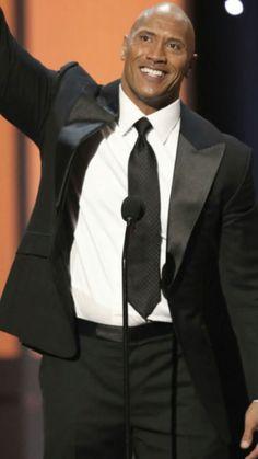 O homem mais elegante do mundo Dwayne Douglas Johnson é o homem mais lindo do mundo