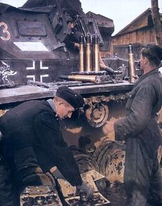 German tank crews, from the 15th Panzer Regiment of the 11th Panzer Division Wehrmacht loaded shells in your tank PzKpfw III.