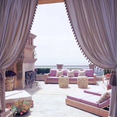 25 Modern Backyard Ideas to Create Beautiful Outdoor Rooms in Moroccan Style Terrasse Design, Balkon Design, Patio Design, House Design, Design Room, Garden Design, Moroccan Design, Moroccan Decor, Moroccan Style