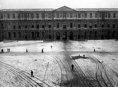 Robert Doisneau - Snow - Cour Carree du Louvre sous la neige