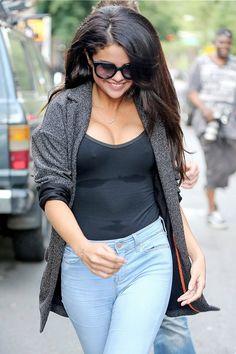 New Selena Gomez Picture Creates Boob Job Speculation | Cambio