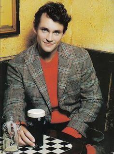 Photo of ES Mag for fans of Hugh Dancy. Hugh in Evening Standard, November 2004