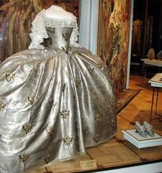 """""""Today, Catherine's coronation gown is kept at the Kremlin Armoury.""""    from http://lifetakeslemons.wordpress.com"""