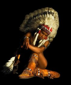 Animated Gif by Spirit Hunter Native American Men, American Indian Art, American Indians, Indian Makeup, Indian Beauty, Gifs, Big Dream Catchers, African Origins, War Bonnet