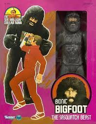 Bionic Bigfoot (the Sasquatch Beast) by Kenner. Steve Austin could punch him in the stomach (spring action), and a plate would fly off to reveal Big Foot's robot innards. Steve Austin, Vintage Games, Vintage Toys, Childhood Toys, Childhood Memories, Gi Joe, Bigfoot Toys, Weird Toys, Creepy Toys