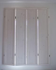Zelf binnenluiken maken Indoor Shutters, Diy Shutters, Interior Shutters, Wood Windows, Windows And Doors, Window Coverings, Window Treatments, Interior Design Advice, Home Curtains