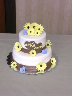 Black-eyed Susan and daisy inspired country bridal shower cake