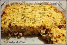 Keep breakfast nice and easy with a casserole! Casseroles usually mean one dirty pan vs. many!! This Cheesy Hashbrown Breakfast Casserole is the BOMB!! Load it up with cheese, potatoes, peppers, onions, meat like BACON or sausage!! #Casserole #CheesyHashbrowns #Bacon