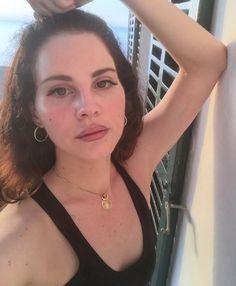 """878.2 mil curtidas, 13.8 mil comentários - Lana Del Rey (@lanadelrey) no Instagram: """"Espana"""""""