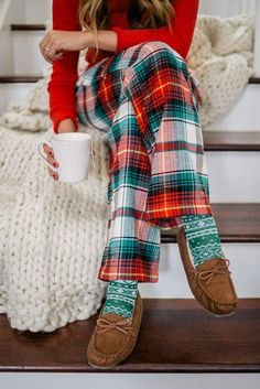 Gal Meets Glam Holiday Red - Old Navy Thermal tee, pants, socks & slippers c/o.Christmas pjams are my favorite! Satin Pyjama Set, Pajama Set, Womens Fashion Online, Latest Fashion For Women, Christmas Pjs, Christmas Outfits, Old Navy Christmas Pajamas, Christmas Morning Outfit, Christmas Pajama Pants