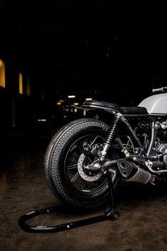 Honda Motorcycles, Cars And Motorcycles, Cb Cafe Racer, Honda Cb, Scrambler, Bike, Retro, Vehicles, Tattoo
