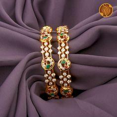 Plain Gold Bangles, Gold Bangles Design, Gold Earrings Designs, Gold Jewellery Design, Designer Bangles, Antique Jewellery Designs, Gold Jewelry Simple, Dimonds, Peacock Design