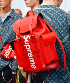 Supreme & Louis Vuitton's pop-up locations will launch this week. Head to our bio for details. Beastie Boys, E Commerce, Backpack Bags, Fashion Backpack, Mode Hip Hop, Versace, Fashion 2017, Mens Fashion, Lv Men