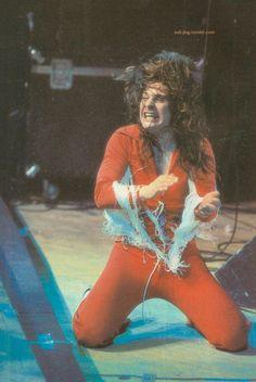 Blizzard Of Ozz - Ozzy Osbourne onstage 1981 Ozzy Osbourne Black Sabbath, Blizzard Of Ozz, Metal Health, Music Icon, Led Zeppelin, Rock Music, The Rock, Music Artists, Rock N Roll