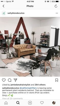 I like the rugs Salon Design, Studio Design, Salon Lighting, Barbershop Design, Salon Studio, Treatment Rooms, Barber Shop, Stylists, Mens Hairstyles 2016