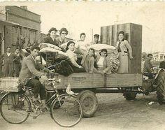 Αλεξανδρούπολη,τα προικιά δεκ.50 Greece Pictures, Old Pictures, Old Photos, Vintage Photos, The Past, Painting, Image, Art, Art Background