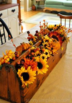 Fall Decor / Centerpieces / Floral for Fall / Sunflowers / DIY Fall Crafts / DIY / Pumpkins Fall Home Decor, Autumn Home, Fall Table Decor Diy, Autumn Table, Fall Crafts, Decor Crafts, Diy Crafts, Autumn Decorating, Decorating Ideas