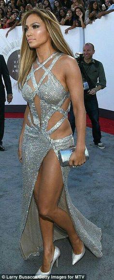 Jennifer Lopez in a Charbel Zoe Dress Celebs, Celebrities, Look Fashion, J Lo Fashion, Sexy Legs, Sexy Dresses, Club Dresses, Gorgeous Women, Beautiful