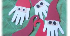 Kun med en smule hjælp fra mig (eller noget - de er alle 4 omkring 1 år!), har mine skønne dagpleje-øjesten fremtryllet disse skønne nisser,... Christmas Crafts, Xmas, Activities For Kids, Arts And Crafts, Tableware, Inspiration, Threading, Biblical Inspiration, Dinnerware