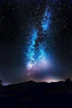 "tulipnight: ""Milky way by GretaLarosa on Flickr. "" Night Stars, Night Sky Stars, Sky Full Of Stars, Nature Nature, Real Nature, Galaxy Lockscreen, Night Scenery, Witchcraft Spells, Nebulas"