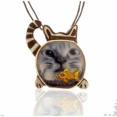 Η γάτα και η γυάλα, ασημένιο  μενταγιόν Pendants, Christmas Ornaments, Holiday Decor, Cute, Hang Tags, Christmas Jewelry, Kawaii, Pendant, Christmas Decorations