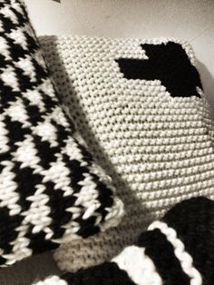 Méchant Studio Blog: Mechant Cushion